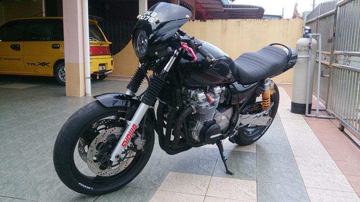 Kawasaki-Zephyr-750-CustomThe-Crow_6