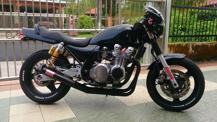 Kawasaki-Zephyr-750-CustomThe-Crow_8