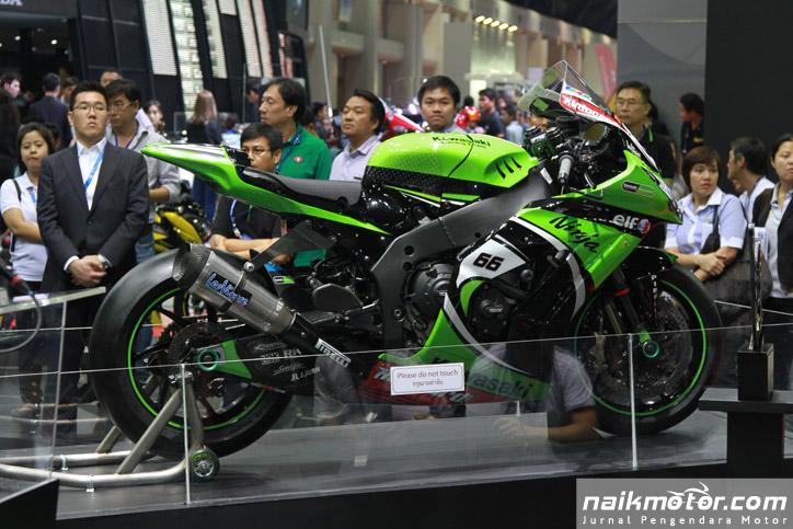 Kawasaki_Bangkok_Motor_Show_2015_01