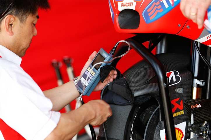 Rossi-Protes-Ducati-2
