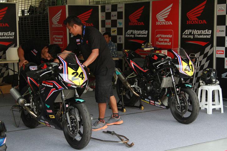 AP-Honda-Racing-Thailand-AP250-ARRC-Sepang