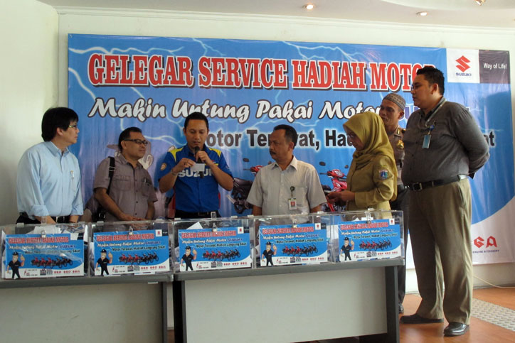 Gelegar-Service-Hadiah-Motor-Suzuki