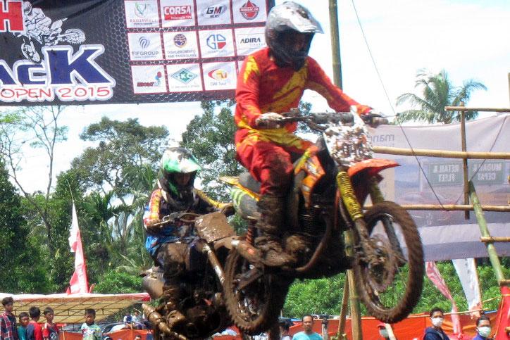 Grasstrack-Pandeglang-Corsa-2015