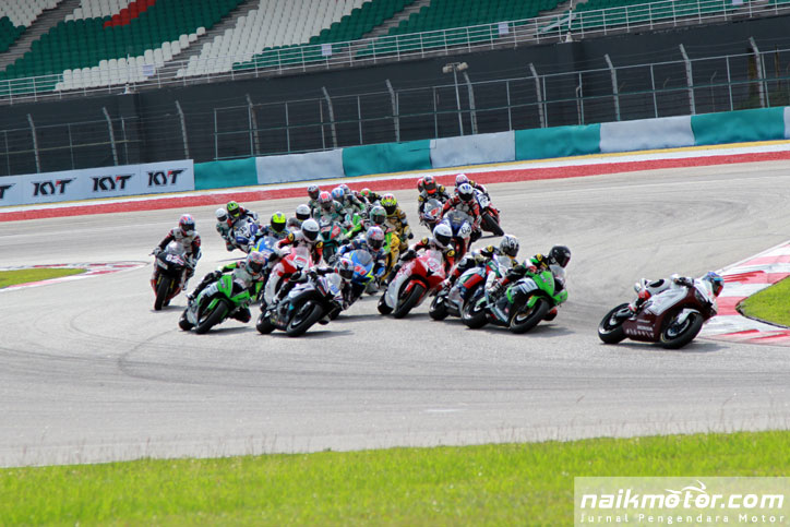 Supersport-600-ARRC-2015-Sepang_12