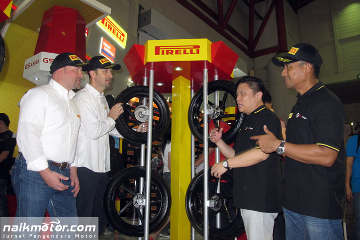 Astra_Otoparts_Ban_Motor_Pirelli