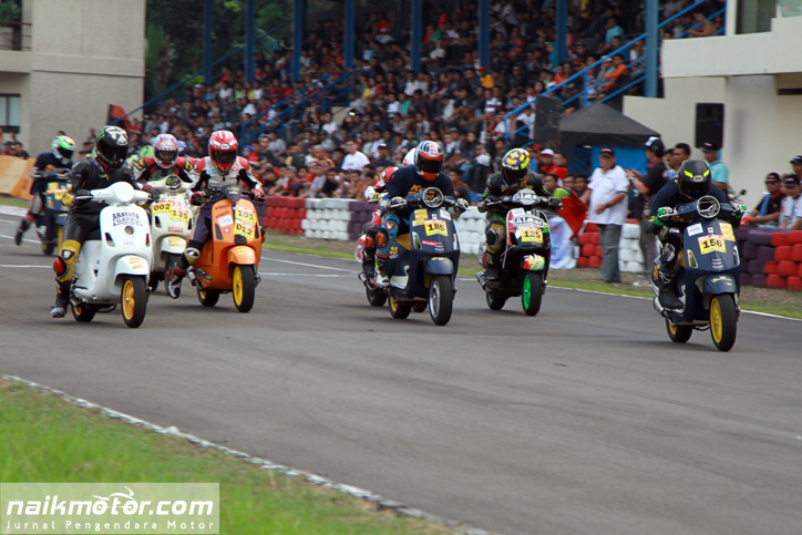 Kutu_Racing_Team_ScooterGrandPrix_2015_07