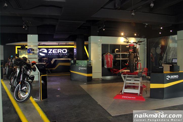 Opening-Flagship-Showroom-Zero_3