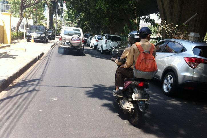 Gubernur-Ahok-Larang-Siswa-Bawa-Kendaraan-Sendiri-ke-Sekolah