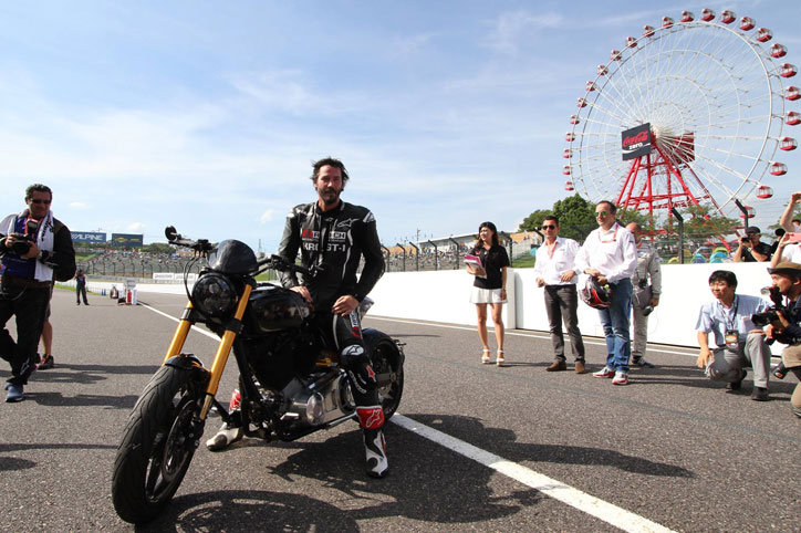 Keanu-Reeves-attend-Suzuka-8-hours-Top-10-Trial_1