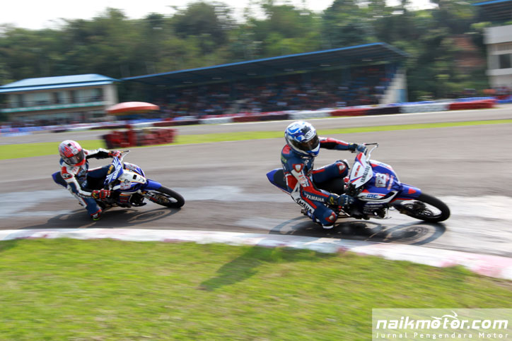Galang-Hendra-Rheza_Danica_IP125-kejurnas-balap-motor-seri-3_1