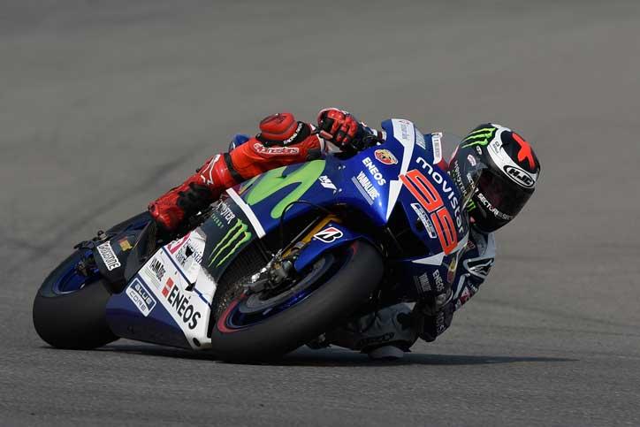 Lorenzo-Wins-MotoGP-Ceko-2015