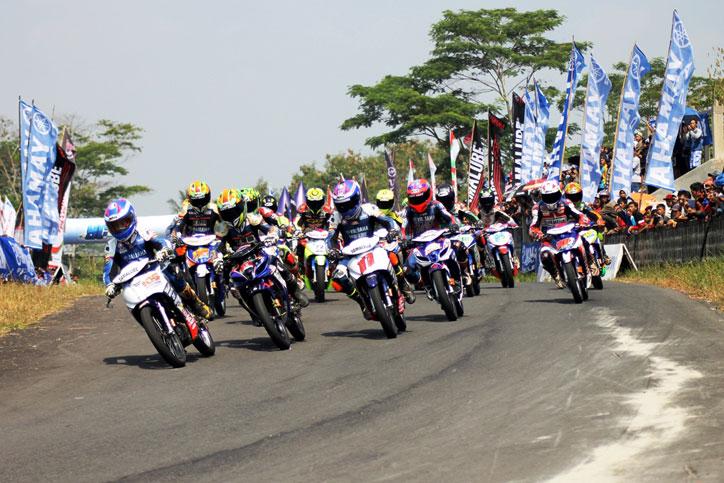 YCR-Pati-2015-Para-pebalap-di-race-kelas-YCR-3-seri-4-Yamaha-Cup-Race-di-Gunung-Peusar-Tasikmalaya