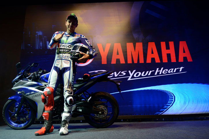 Yamaha-R3-Brazil-Jorge-Lorenzo_3