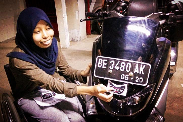 Echi-Pramitasari-dengan-Yamaha-NMAX-miliknya