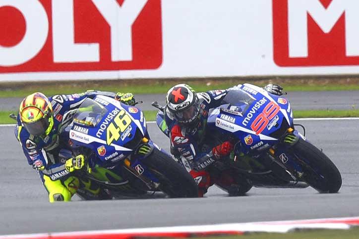 Lorenzo-Ingin-Tekuk-Rossi-MotoGP-Misano