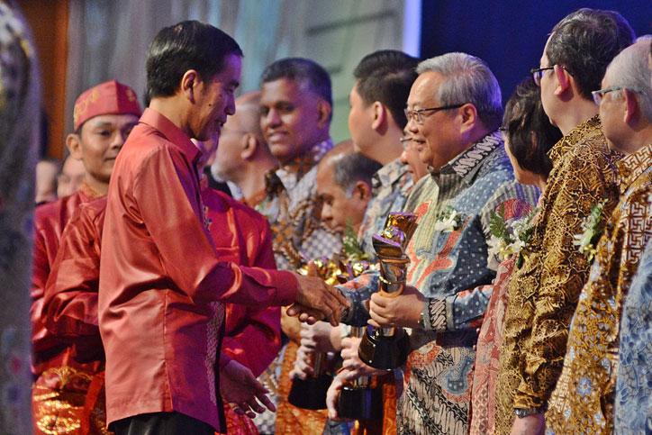 Penghargaan-Primaniyarta-2015--PT-Gajah-Tunggal-Tbk