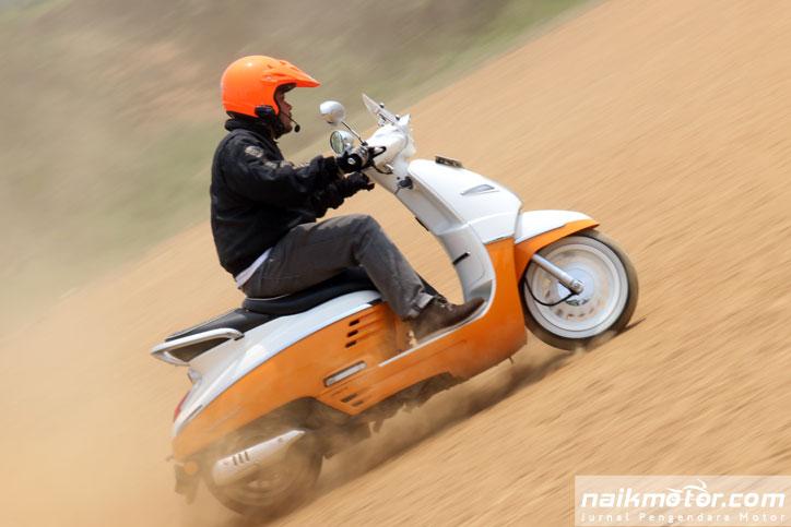 Test-Ride-Peugeot-Django-Evasion-150_9