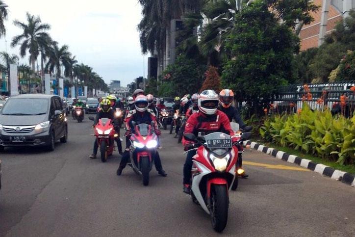 Fun_Riding_CBR_Community_3