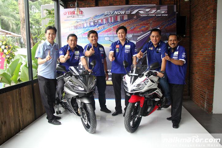 Yamaha_R15_1