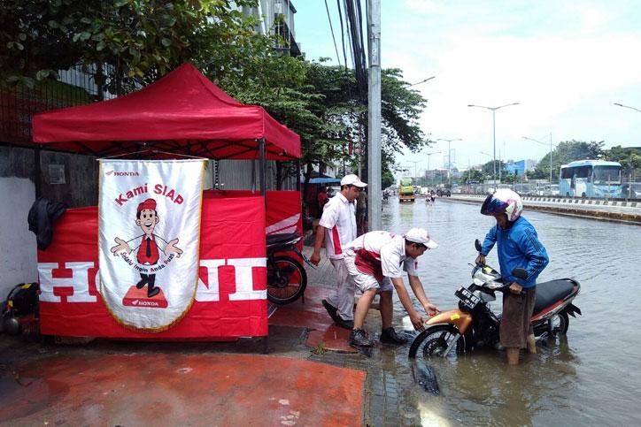 AHASS_jakarta-Tangerang_Posko_Banjir