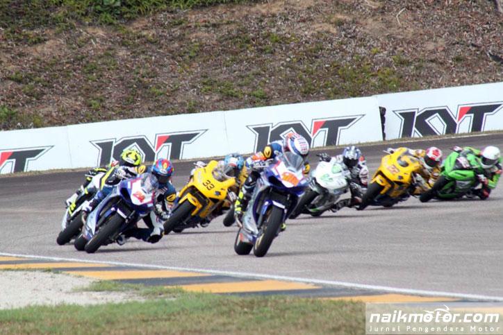 Apiwat_AP250_Johor_2016_race2