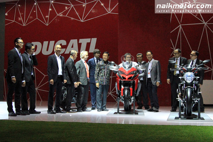 Harga_Ducati_Garansindo_IIMS_2016._Surat.