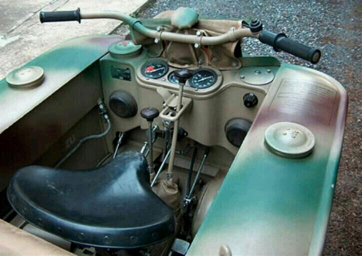 Motor_Nazi_Kettenkrad_2