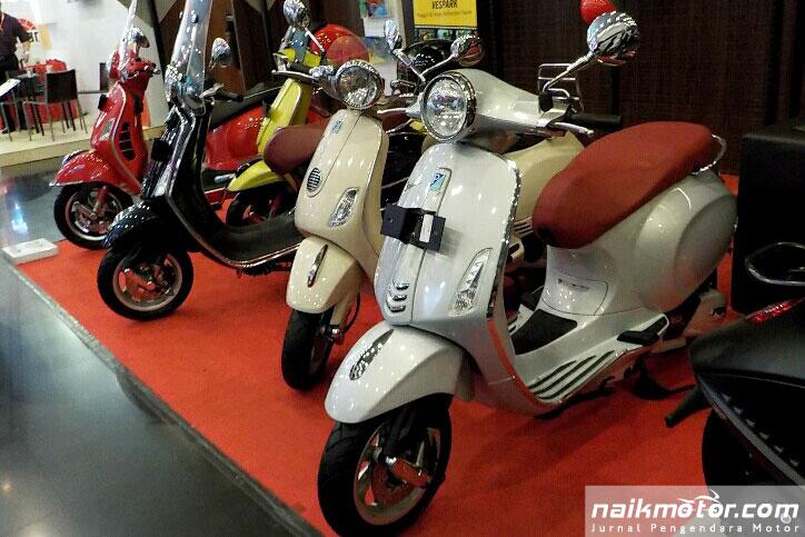 Vespa_Primavera_i-get_POM_Medan_