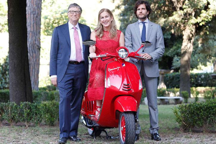 Vespa_(RED)_Piaggio