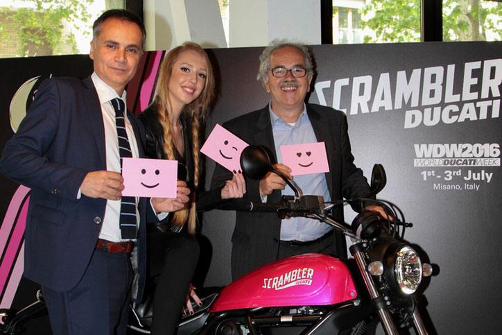 ducati-scrambler-sixty2-pink_3