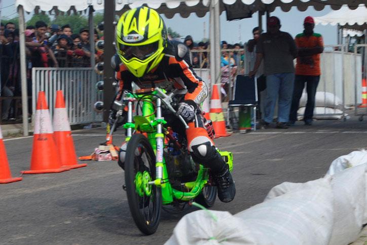 Proliner Uma racing boy drag bike