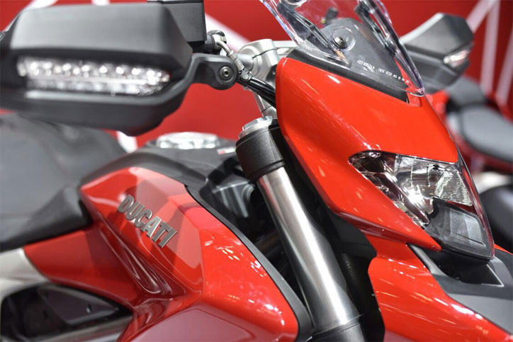 Ducati_Hypermotard_939_3