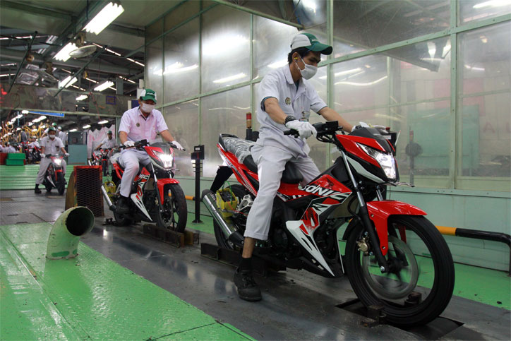 Honda_Sonic_150R_Striping_Baru
