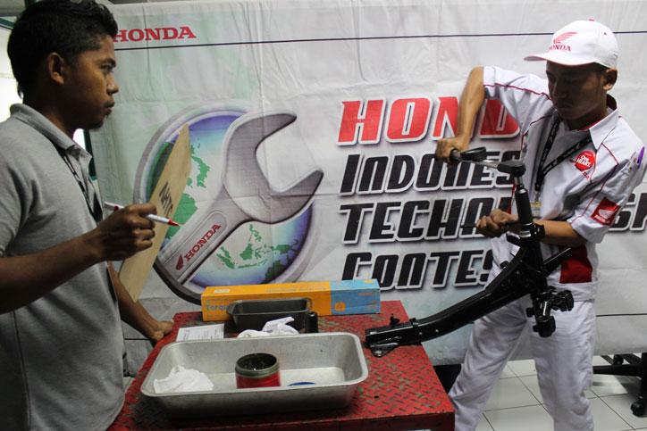 Kontes mekanik dan serive advisor Honda 2016