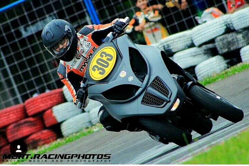 balapan motor roda tiga