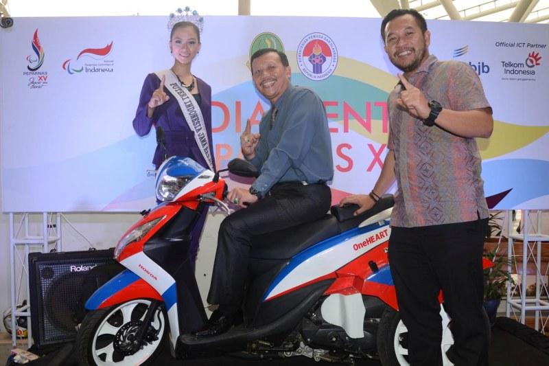 DAM Anugerahkan Motor Spesial untuk Atlet Berprestasi di Peparnas 2016