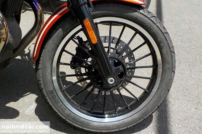 first_ride_motoguzzi_roamer