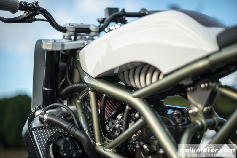 bmw_g310r_wedge_motorcycle_45