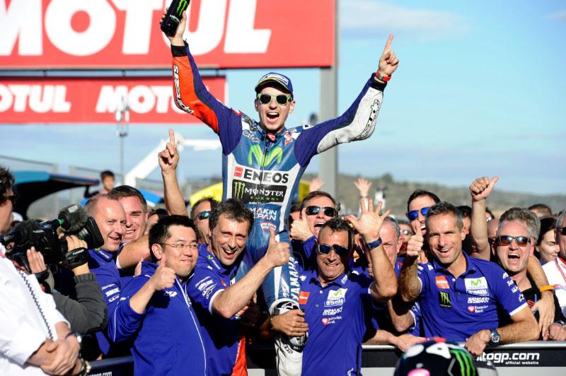 Kado Perpisahan Teristimewa dari Lorenzo untuk Yamaha di Valencia