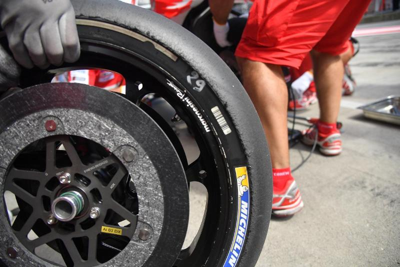 Michelin Siapkan Ban Asimetris Khusus untuk MotoGP Valencia