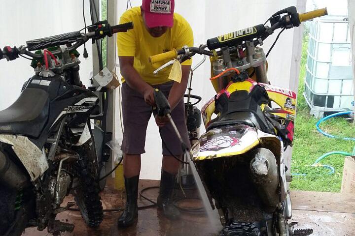 Karcher Bikin Kinclong Tunggangan Peserta Malang Adventure Trail 6