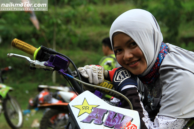 Dara Cantik Ini Menjadi Pemilik Pertama Sherco Six Days di Indonesia