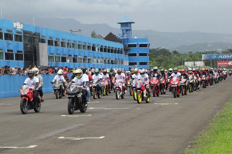 Parade Keliling Sentul