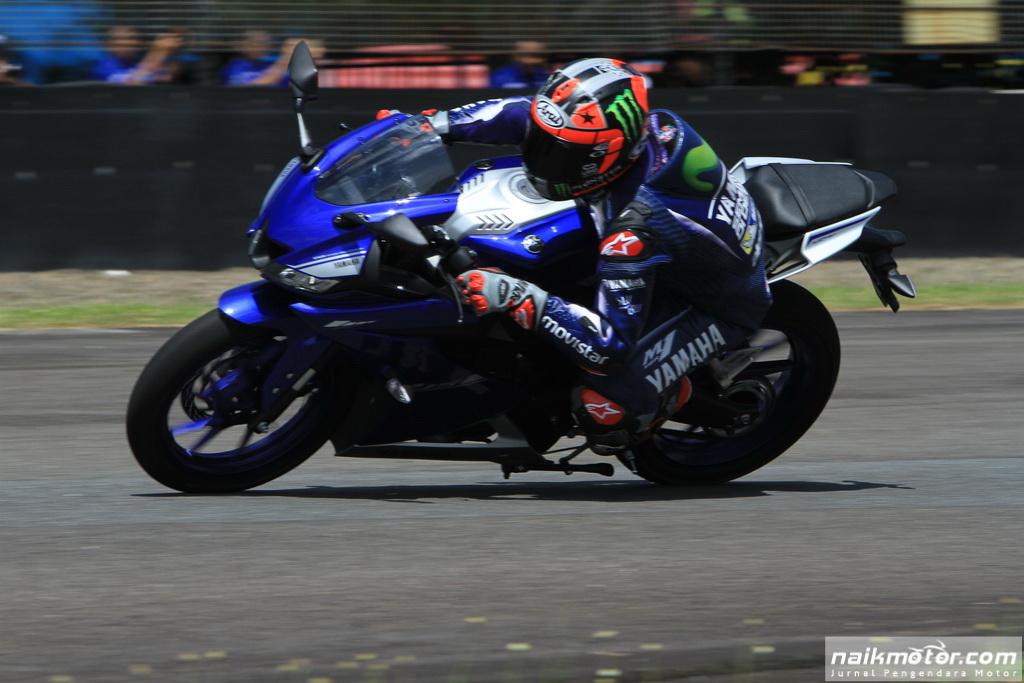 Aksi pembalap MotoGP melaju di Sentul