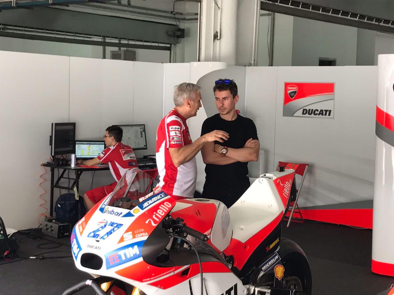 Tiga pembalap MotoGP akan datang ke Indonesia