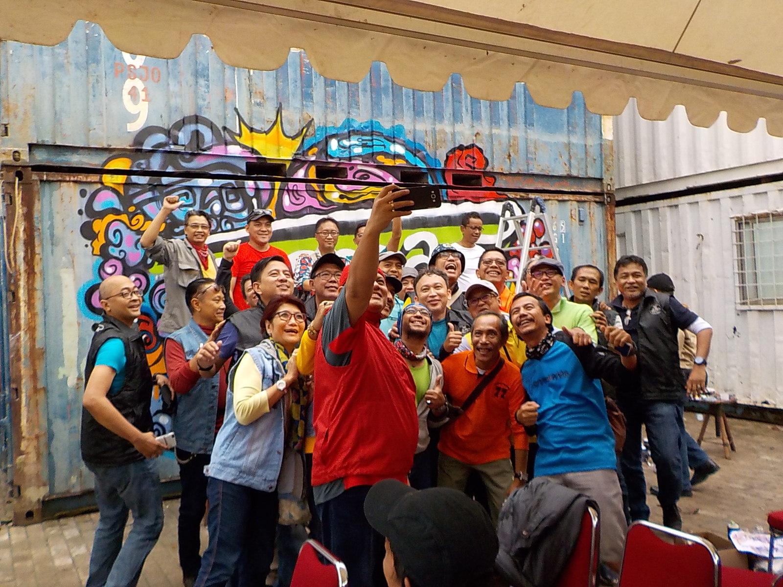 VespArs Indonesia Komunitas Vespa Lintas Generasi