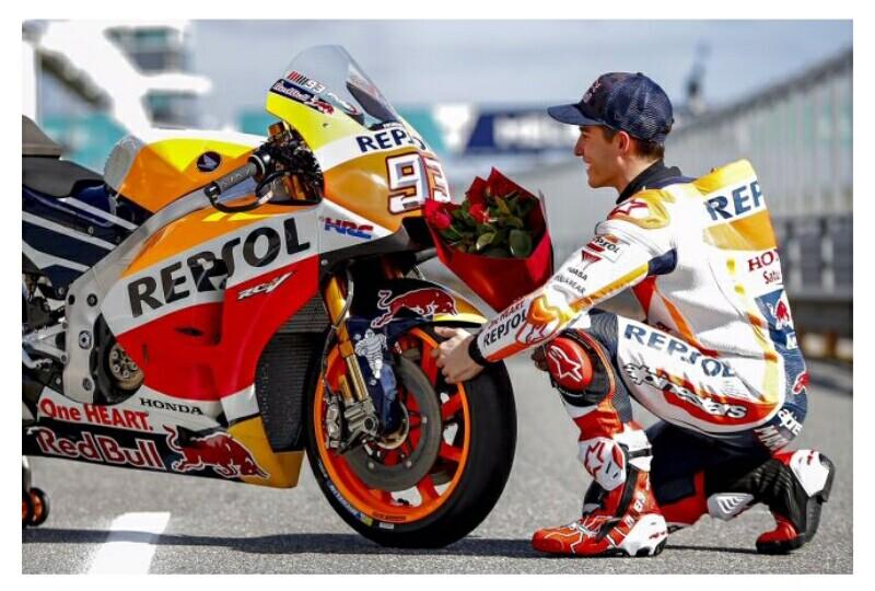 Hari yang dirayakan dengan mengungkapkan kasih sayang. Tak terkecuali para Pembalap kelas dunia. Dan beginilah gaya Pembalap MotoGP 2017 rayakan Hari Valentine.