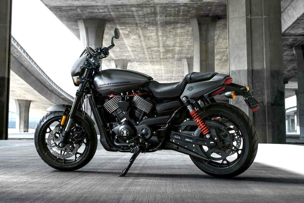 Harley-Davidson Street Rod Yang Lebih Lincah