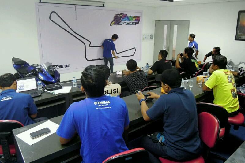 Edukasi Komunitas Yamaha R Series