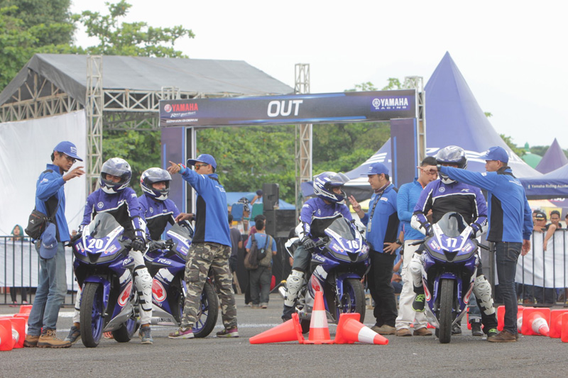 Serunya Menggeber Yamaha All New R15 di Fun Riding Competition